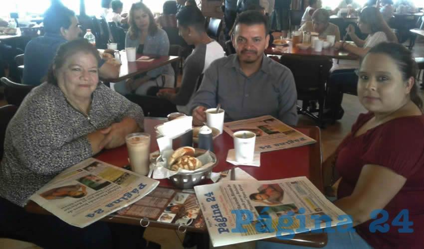 En el restaurante Las Antorchas desayunaron Elvira García Juárez, Enrique García y Claudia Zamarripa Morales