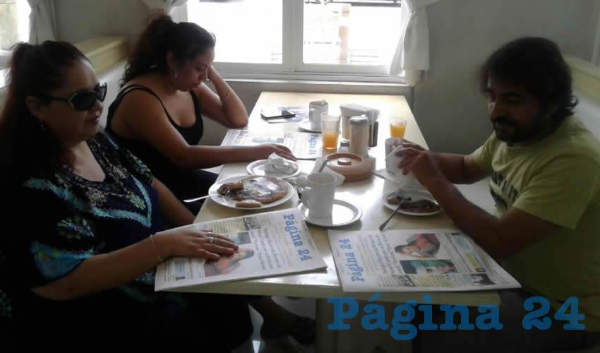 Minerva Ruvalcaba, Minerva Castro y Gabriel Ruvalcaba almorzaron en el restaurante Del Centro