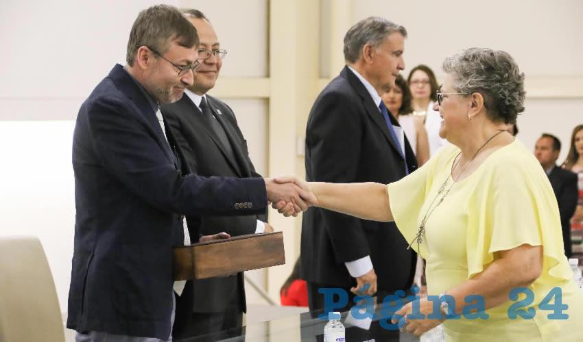 El rector de la UAA, Francisco Javier Avelar González, exhortó al cuerpo académico a que continúe honrando su vocación como hasta ahora.