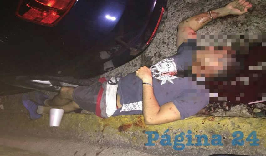 """Fuerte reclamo al gobernador Alejandro Tello: """"¡Pinche gobierno vale madre, dejaron morir a nuestros familiares!, ¿dónde está el puto helicóptero?"""" (Fotos: Cortesía)"""