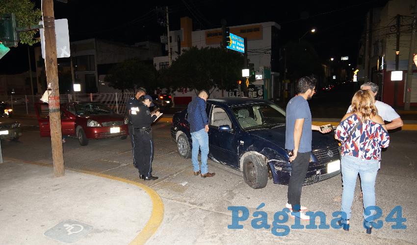 El percance ocurrió en el cruce de avenida Adolfo López Mateos y calle General Vicente Guerrero