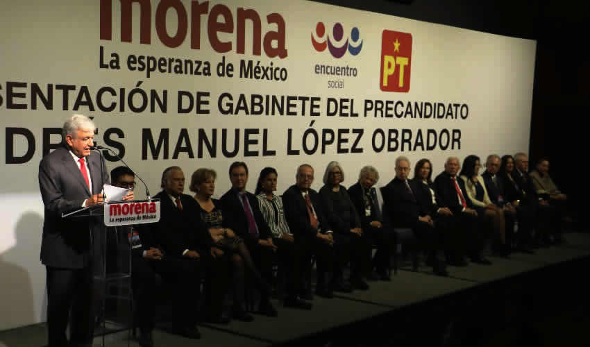 Únicamente López Obrador ha presentado, con mucha anticipación, a los hombres y mujeres que lo acompañarán en la conducción de la nación (Foto: Archivo/ Saúl López/ Cuartoscuro)