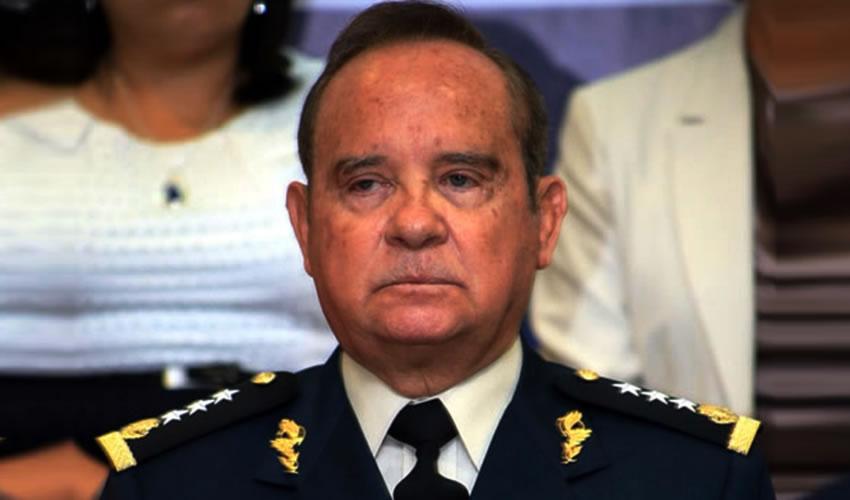 Rolando Eugenio Hidalgo Eddy ...que regrese, pero el billete...