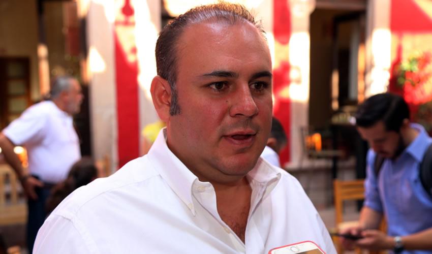 Francisco Guel Saldívar ...aprende rápido...
