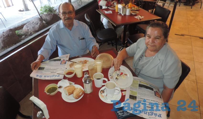 En el restaurante Las Antorchas desayunaron José Ramos Palomino y Clara Rivera Rodríguez