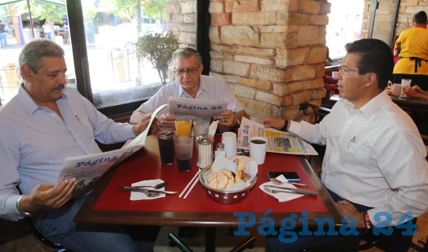 En el restaurante El Farolito compartieron el primer alimento de la mañana Rubén Alejandro Toledo Olvera y Diana Montañez Plasencia