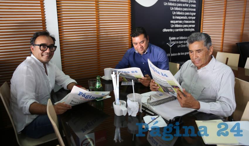 En Café Punta del Cielo departieron Juan Manuel Gómez Morales, Normando López Meixueiro, secretario general de la FSTSE; y David Mendoza Vargas