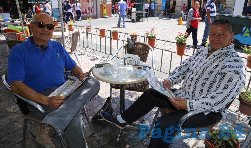 En Café Catedral departieron José Alfredo Hernández García y Marco Antonio Pérez Muñoz
