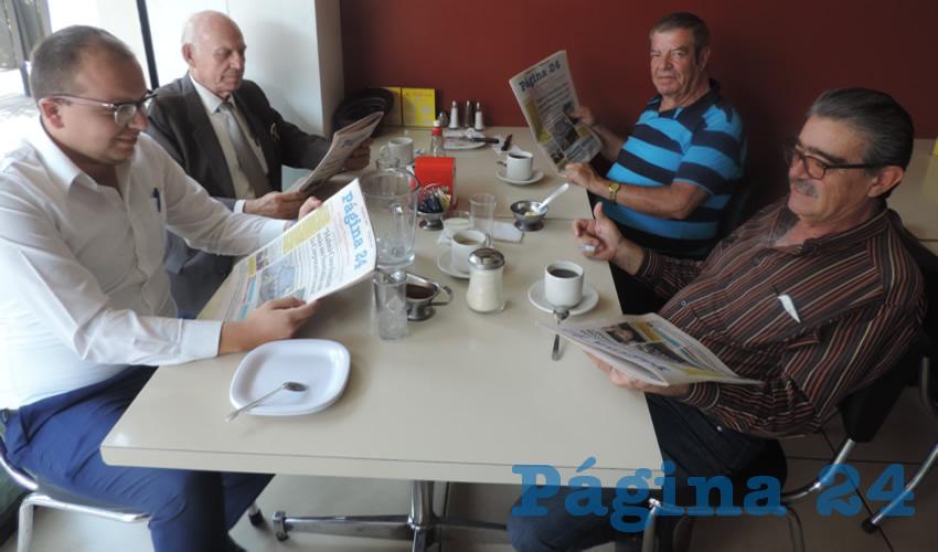 En el restaurante Mitla desayunaron Rodrigo González Arredondo, José Jesús González Padilla, Víctor Manuel González Gómez y Alfredo Ledezma