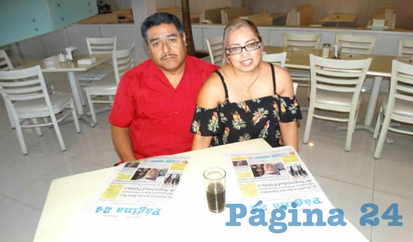 En el restaurante Del Centro tomaron su primer alimento del día Juan Antonio Serna y María Martínez Alcántar