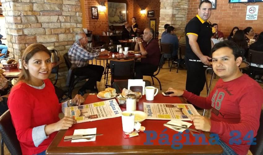 Jessica Vilchis y Federico Rojas compartieron el pan y la sal en el restaurante Las Antorchas
