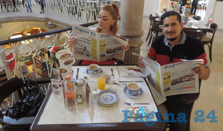 Verónica Valderrábano y José Domingo Cruz tomaron su primer alimento del día en el restaurante Sanborns
