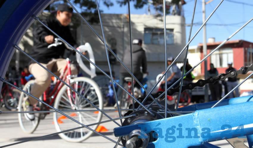 Autoridades municipales sostuvieron un encuentro con las organizaciones ciclistas Aguas con las Chicas AC, Aguas con la Bici AC, Camina Cálidos AC y Biciescuela AC, para trabajar de manera conjunta