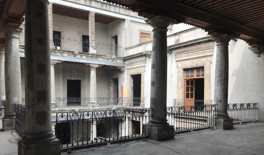 Recorre el líder de Zacatecas Museo Ramón López Velarde y exposición fotográfica del Museo Guadalupe, en Paseo de la Reforma