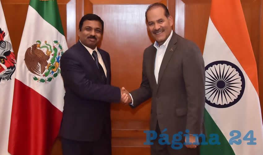 El Gobernador Sostuvo un Encuentro con el Embajador Muktesh K. Pardeshi