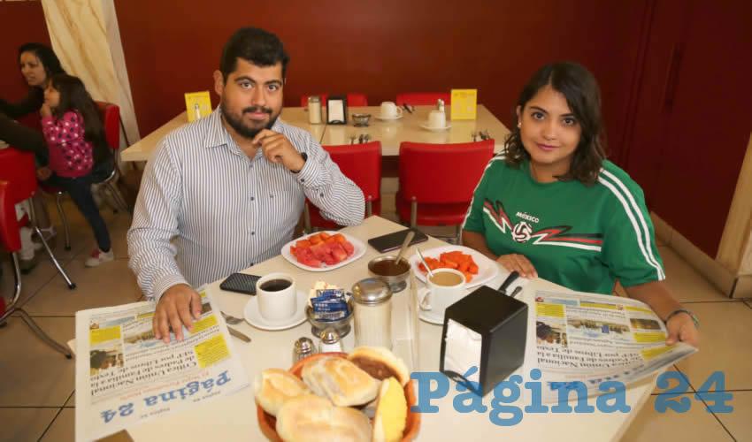 En el restaurante Mitla almorzaron Alejandro Ríos Godínez y Laura Angélica Ríos Godínez