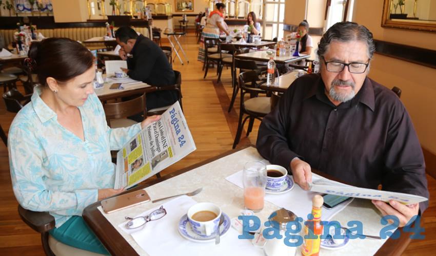 En Sanborns Francia desayunaron Mónica Reyes Landeros y Rodolfo Velasco Ramírez