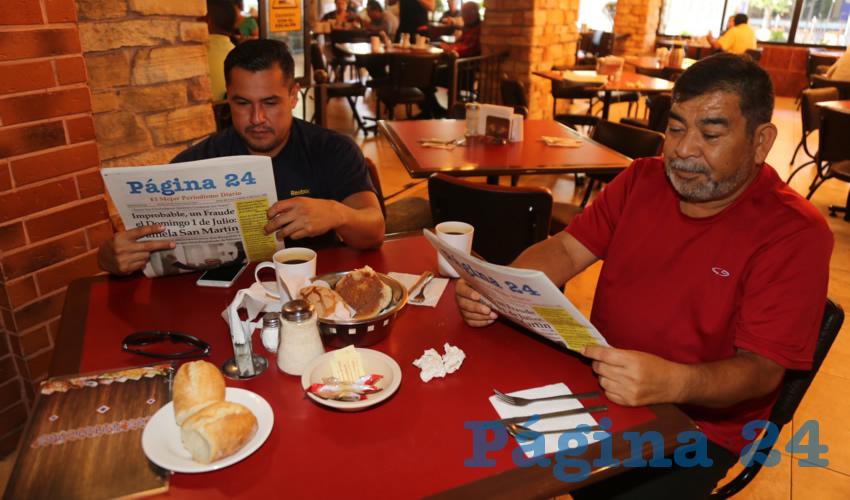 En Las Antorchas almorzaron Sergio Antonio Iracheta Sandoval y Efraín Ruvalcaba Cortés