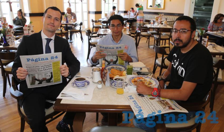 En Sanborns Francia almorzaron Enrique Franco Medina, Brayan Palafox Porter y Alan Palafox Porter