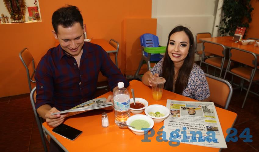 En Carnitas Chanoy almorzaron Tomás Galván Cabelaris y Marcela Briones Paniagua