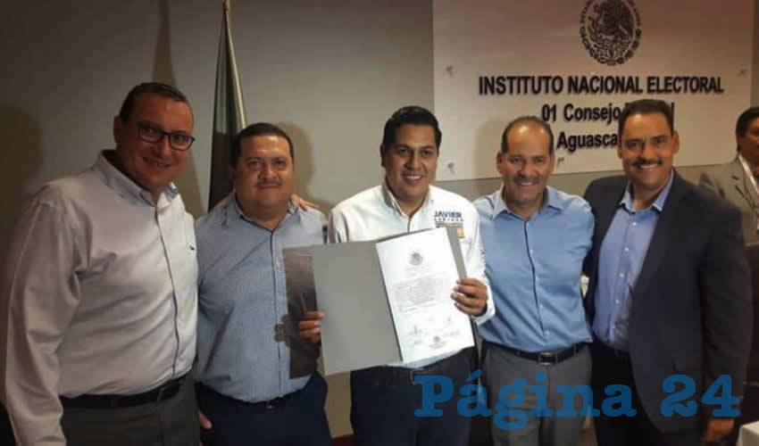 """Entrega de Constancia de Mayoría como diputado federal """"perredista"""" por el Distrito 01 a Francisco Javier Luévano Núñez"""