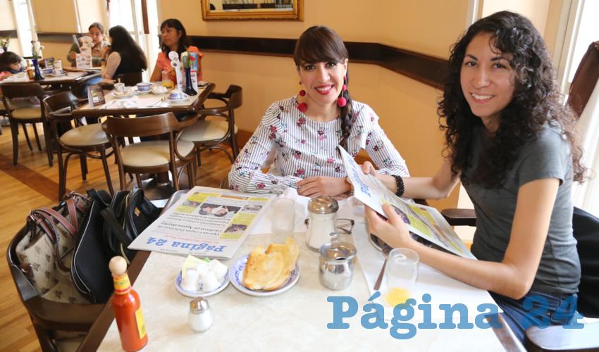 En Sanborns Francia desayunaron Laura Arriaga Chávez y Ruth Barrios Martínez
