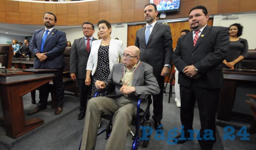 """Ha sido profesor de la UAZ, y autor de diversos libros, entre los que destacan """"Lecciones de derecho tributario"""", """"Si yo fuera diputado"""" y """"Da comezón la etiqueta"""". (Foto: Merari Martínez Castro)"""
