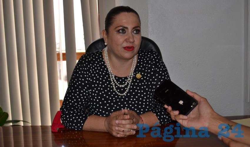 """Mónica Borrego Estrada, diputada local por el Movimiento de Regeneración Nacional (Morena): """"Hago un llamado para que se esclarezcan todos los casos, y que en realidad se haga un estudio en la seguridad pública estatal y municipal, para saber quiénes nos están cuidando"""". (Foto: Merari Martínez Castro)"""
