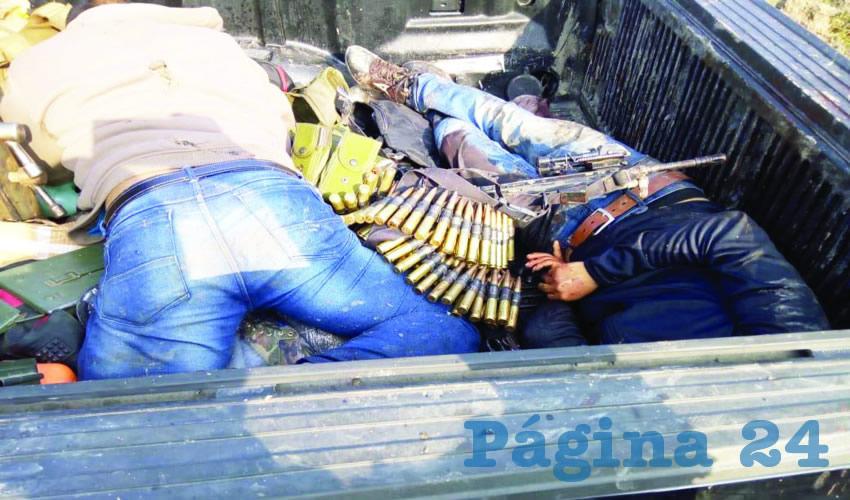 Enfrentamiento deja dos  muertos y narcobloqueo