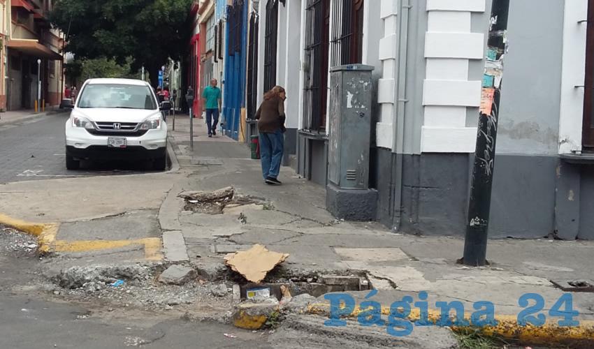 Ciudadanos lamentaron el pésimo estado de las calles y banquetas del centro histórico de Guadalajara