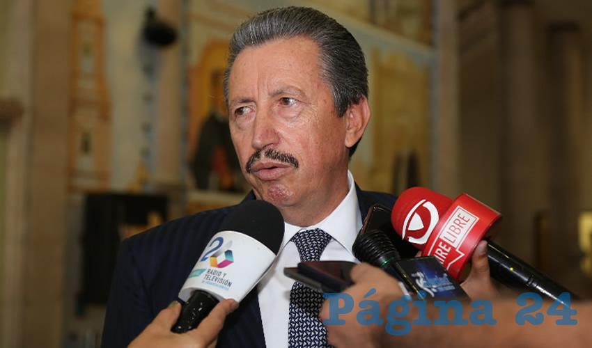 J. Asunción Gutiérrez Padilla ... su capa de Superman...