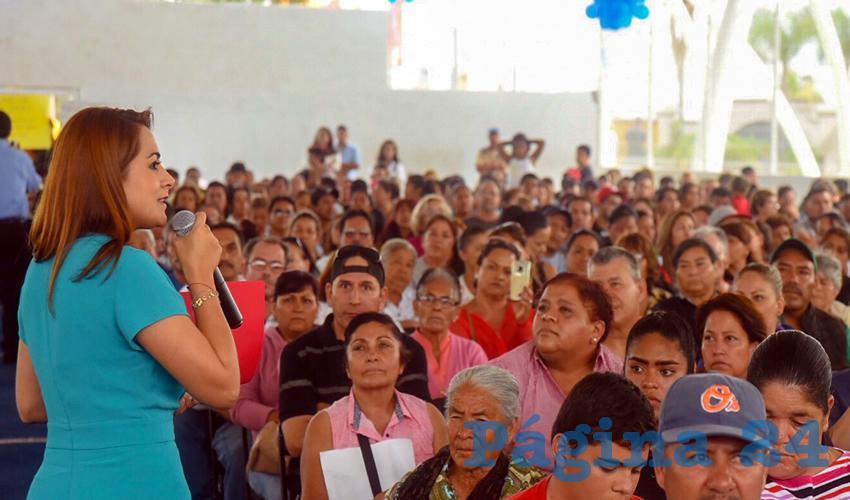 La alcaldesa de la capital, Tere Jiménez, dio inicio al programa de calentadores solares que este año beneficiará a dos mil hogares de escasos recursos
