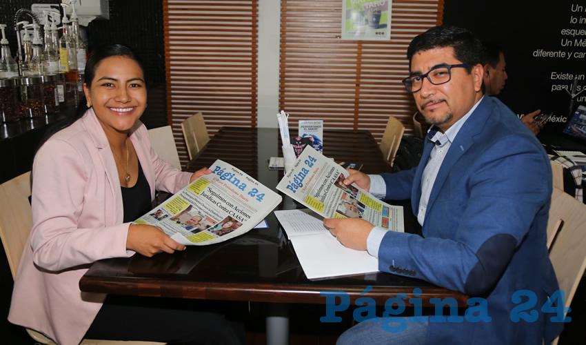 Guadalupe de Lira Beltrán, diputada electa; y Gustavo Tristán López, regidor del Municipio de Aguascalientes; platicaron en el Café Punta del Cielo