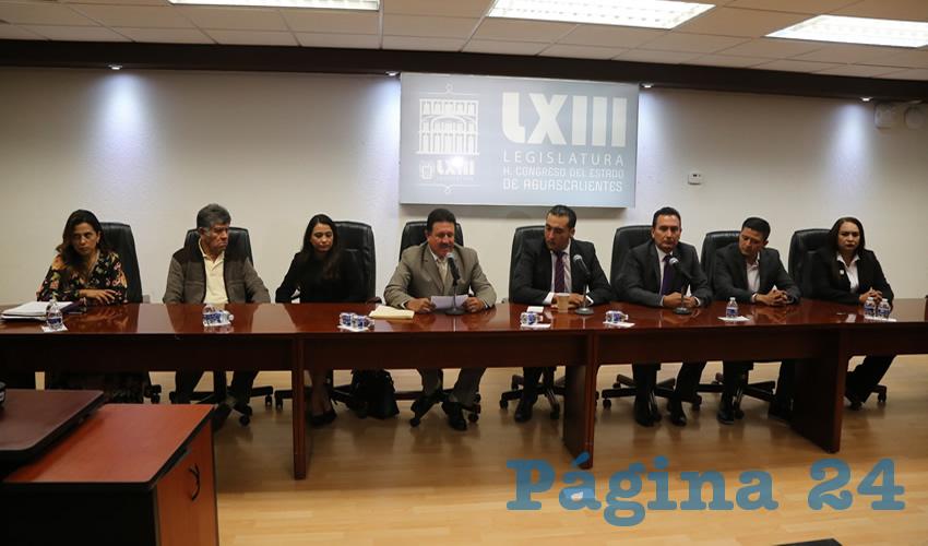 Conferencia de prensa con los diputados electos y presidentes estatales de Morena y Encuentro Social (Foto: Eddylberto Luévano Santillán)
