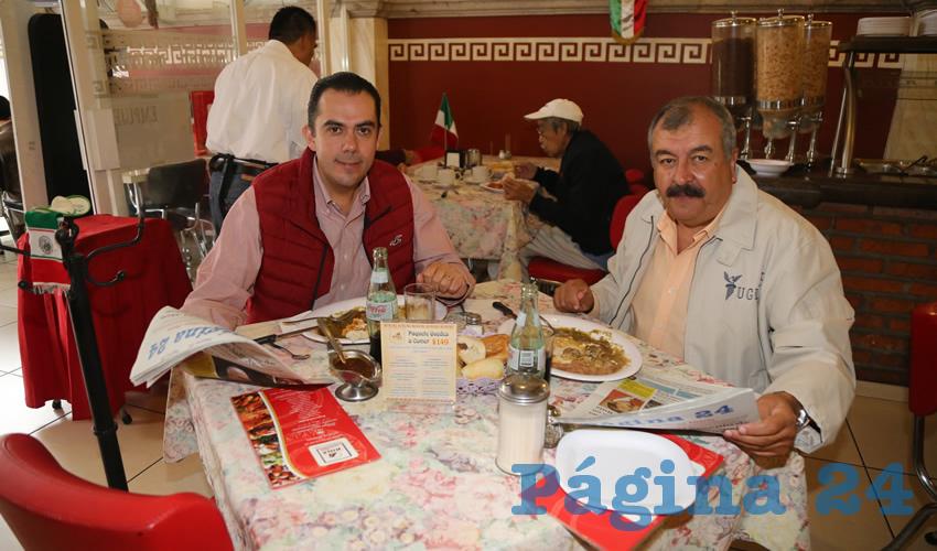 En el restaurante Mitla compartieron el pan y la sal Manuel Alejandro González Martínez, titular de la Secretaría de Desarrollo Rural y Agroempresarial (Sedrae); y José de Jesús Guzmán de Alba