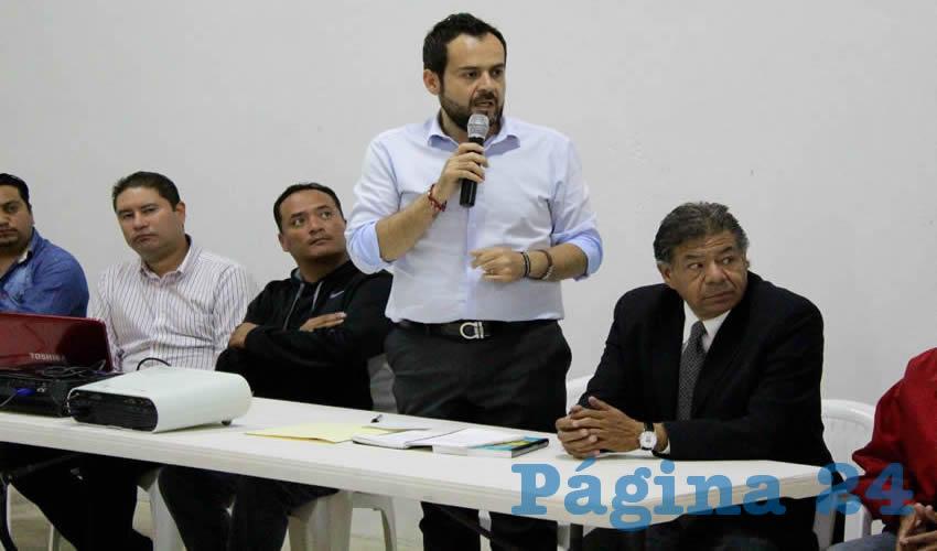 El alcalde se reunió con promotores deportivos, funcionarios municipales y deportistas exhortándolos a formar equipos de trabajo