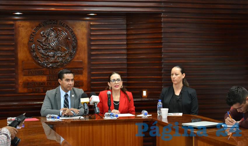 Raúl Ulloa Guzmán, diputado local del Partido Encuentro Social (PES), señaló en conferencia de prensa que el próximo lunes 8 de octubre, se realizará un foro para defender la denominación de origen del mezcal (Foto Merari Martínez Castro)