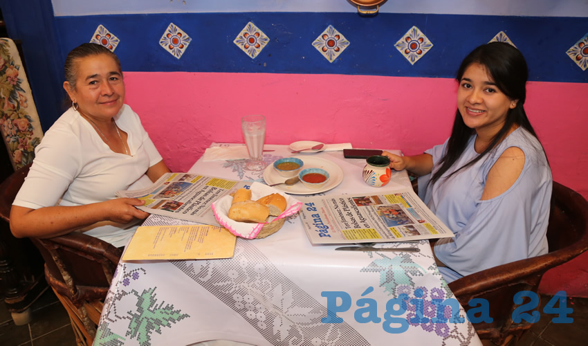En La Saturnina compartieron el pan y la sal María Ambrosia López López y Karen Italia Ruiz López