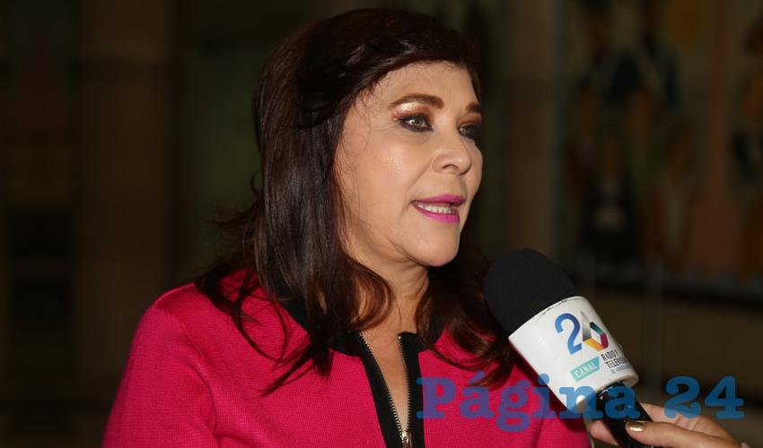 Margarita Gallegos Soto ...ni caso le hace al loco...
