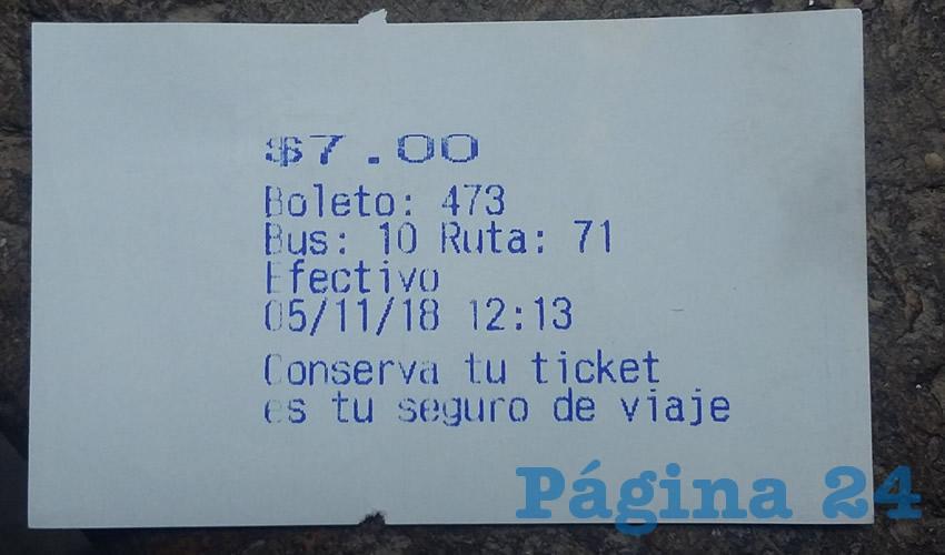 Sólo expiden boletos a quienes paguen con los 7 pesos exactos; a los que usan su tarjeta no les dan nada, algo que transgrede la ley de movilidad
