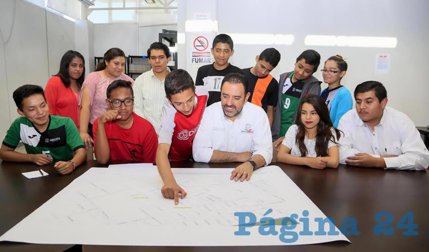 Invita Gobernador Tello a Jóvenes a ser Agentes de Cambio Social