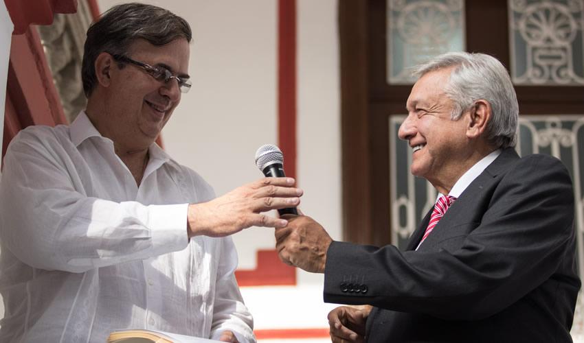 Marcelo Ebrard Casaubón, secretario de Relaciones Exteriores, y Andrés Manuel López Obrador, presidente de México (Foto: Archivo/ Misael Valtierra/ Cuartoscuro)