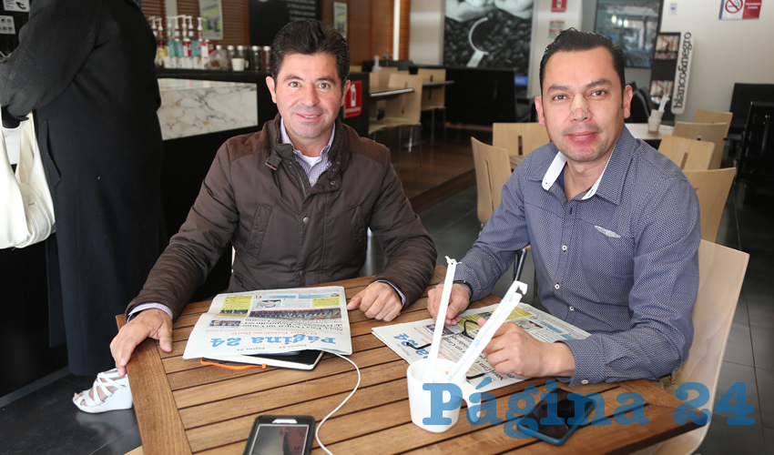 En Café Punta del Cielo departieron Jorge López Martín, consejero nacional del Partido Acción Nacional (PAN); y Carlos Mier Domínguez