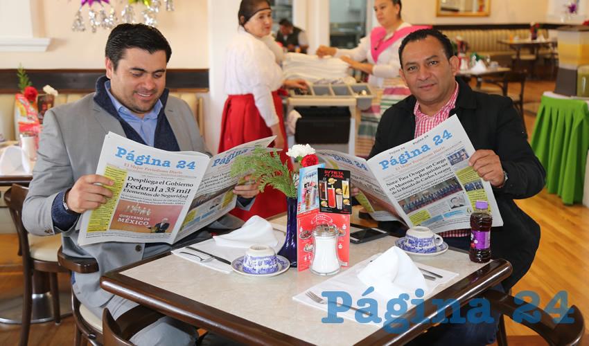 Alan Hamurabi López Ovalle y Rodolfo Téllez Moreno, titular de la Secretaría de Servicios Públicos del Municipio de Aguascalientes; compartieron el pan y la sal en Sanborns Francia