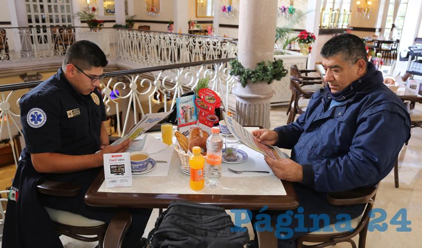 En Sanborns Francia almorzaron Alejandro Figueroa Aguado y su padre Juan Alejandro Figueroa Fabela