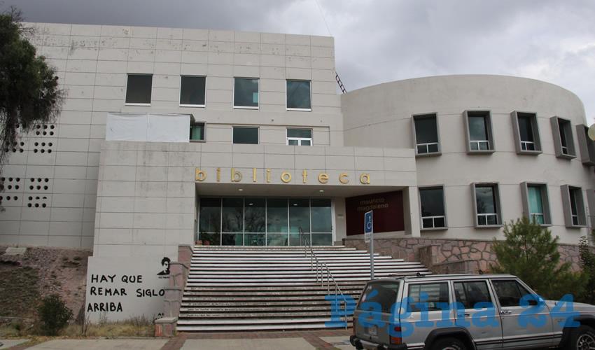 En Biblioteca Mauricio Magdaleno Tienen Problemas con la Recolección de Basura