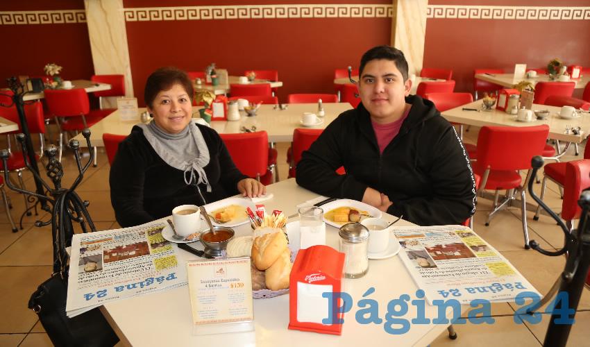 En el restaurante Mitla almorzaron Juana Gómez y Eduardo Rangel Gómez