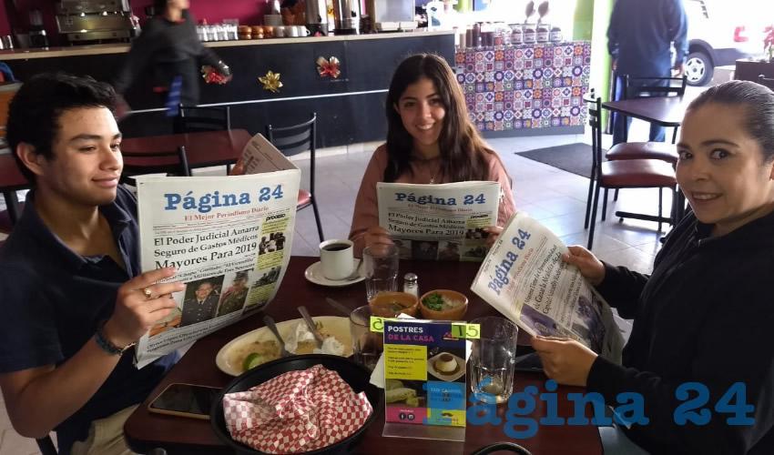 Francisco Javier Cuevas Morales, Valeria Ferreria y Lucía Merlo almorzaron en el restaurante La Madero