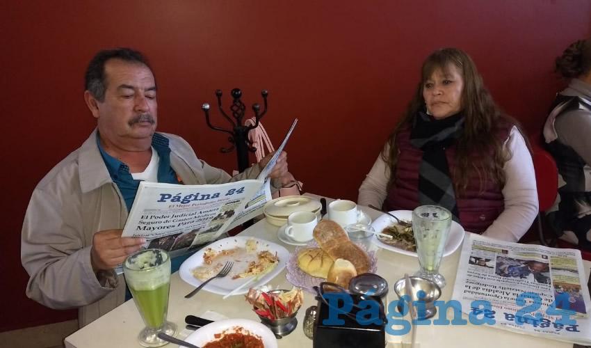 Rafael Velasco y Rosa Elva Alcalá compartieron el pan y la sal en el restaurante Mitla