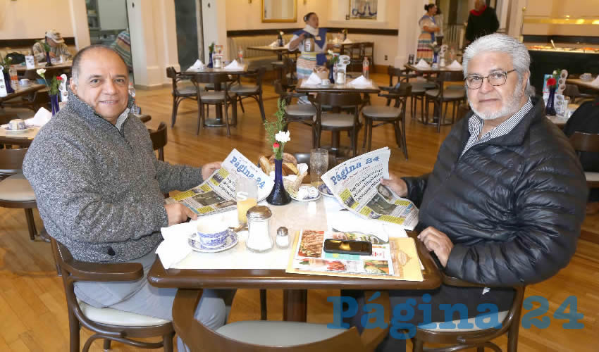 En Sanborns Francia desayunaron Juan de Dios Rodríguez Moreno y José Montes Varela